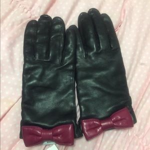 Genuine leather 💯 % cashmere lined gloves - mag👋